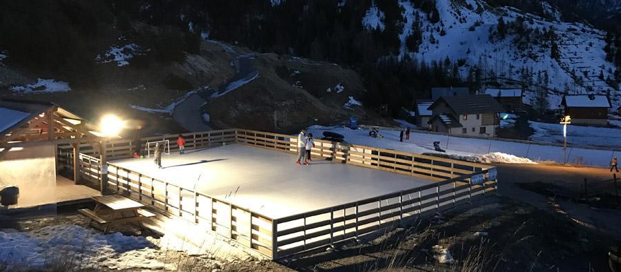 Patinoire synthetique station ski 1